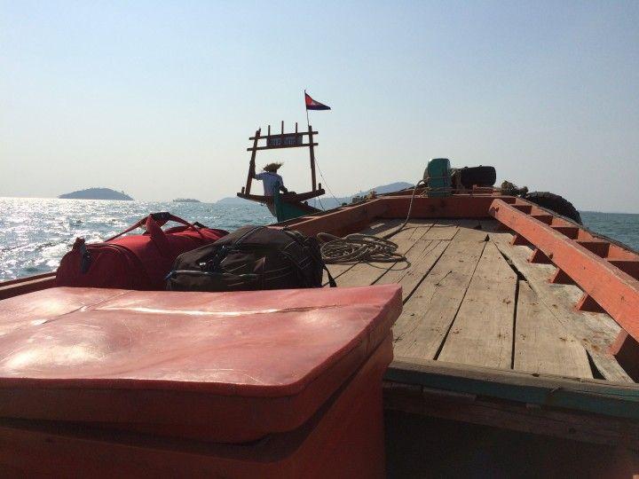Foto: Eli Zubiria. Barco que lleva las isla de Koh Tonsay, en Camboya