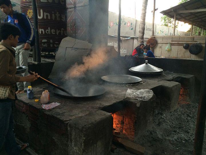 Foto: Eli Zubiria. La mayoría de los camboyanos cocinan sin electricidad, Phnom Penh, Camboya
