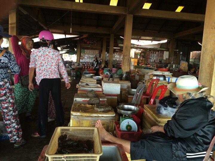 Foto: Eli Zubiria. El mercado del cangrejo de Kep, en Camboya