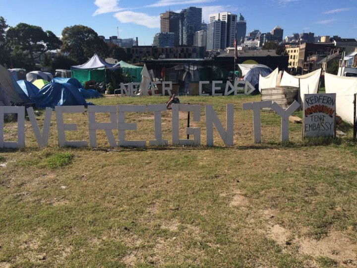 Foto: Eli Zubiria. Campamento reivindicativo del barrio de Redfield, en Sydney, Australia