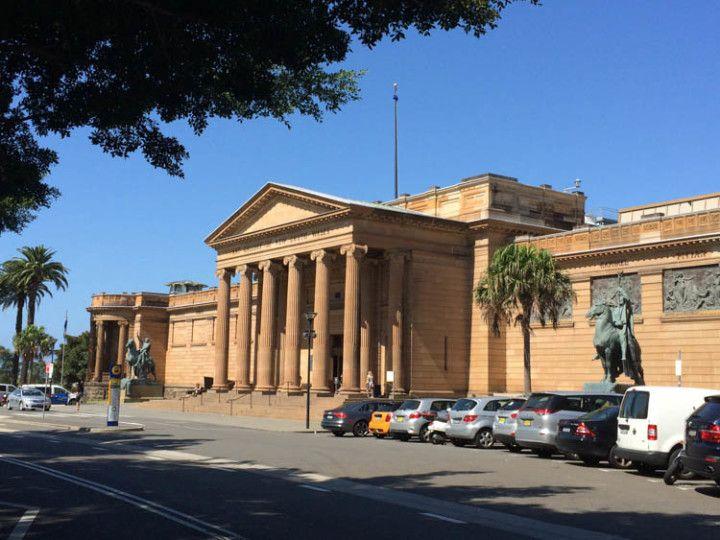 Entrada del Museo Art Gallery NSW, en Sydney, Australia.