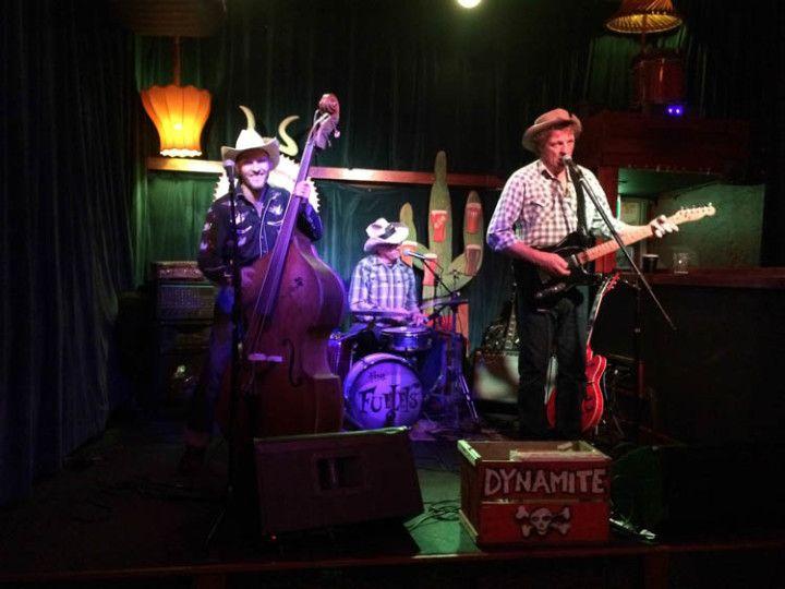 Foto: Eli Zubiria. La banda country que tocaba en directo, en Canberra, Australia.