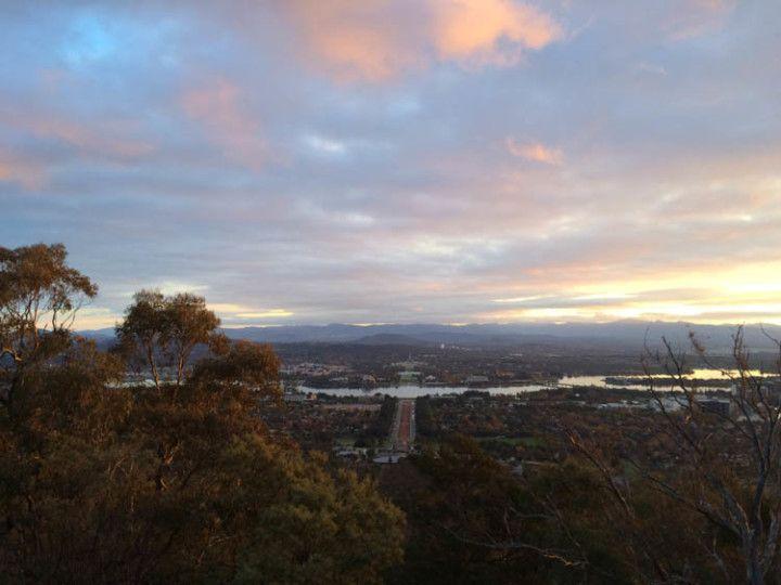 Foto: Eli Zubiria. Vista del Parlamento australiano, en Canberra, desde las alturas.