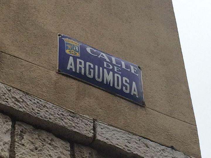 Foto: Eli Zubiria. La calle Argumosa es famosa por sus terrazas.