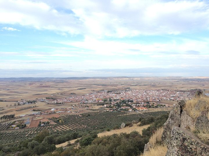 Foto: Eli Zubiria. Vistas desde el mirador y ermita de Santa Brígida.